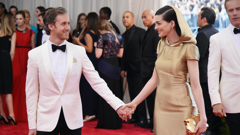 Anne Hathaway husband Adam Shulman