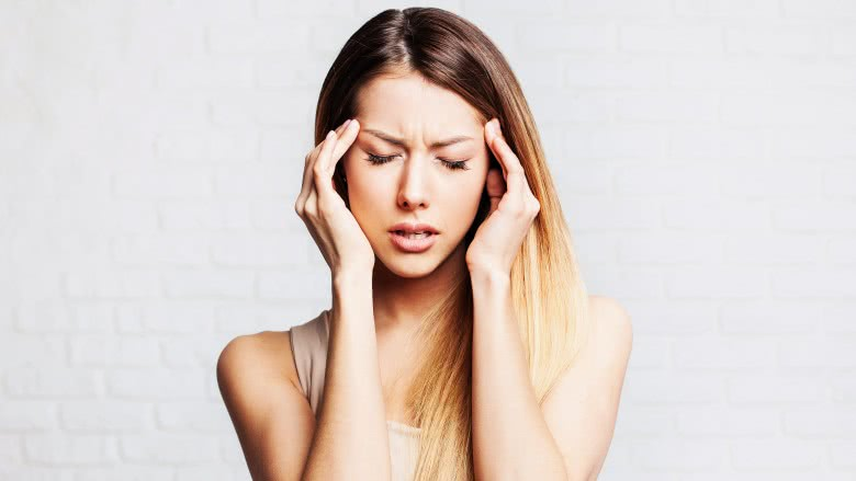 How to tell the difference between a headache and a migraine
