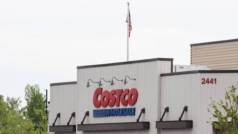Costco recommends shoppers wear a mask or face covering