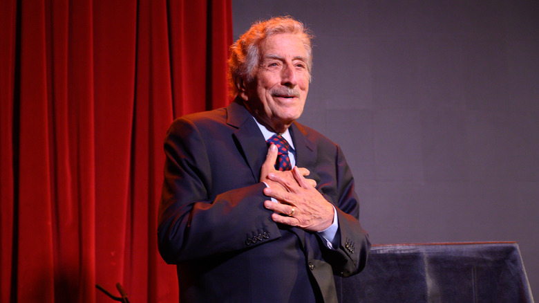 Tony Bennett reveals that he's been diagnosed with Alzheimer's