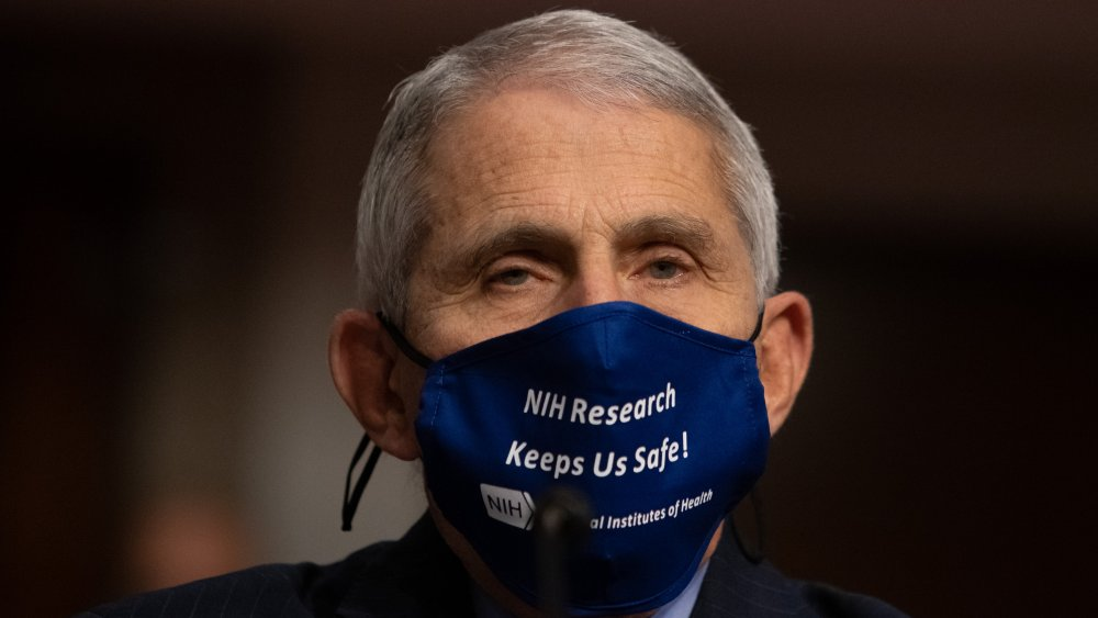 Fauci says it may be time for a widespread mask mandate