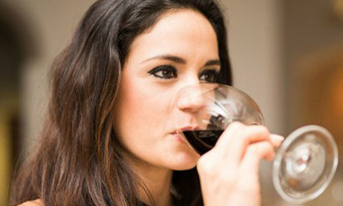 what-really-happens-to-your-body-when-you-drink-wine-every-night