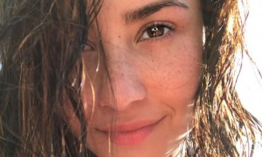 celebrities-who-like-to-go-all-natural (1)