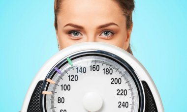 how-to-lose-weight-without-dieting-scale-featured