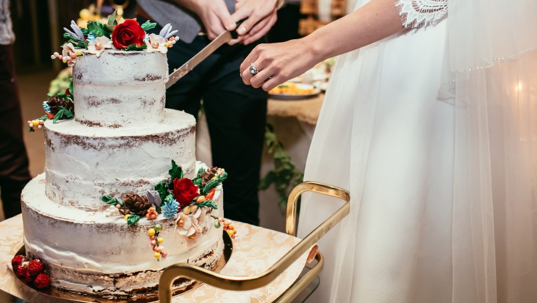 Homemade Wedding Cake.A Step By Step Guide To Making A Homemade Wedding Cake