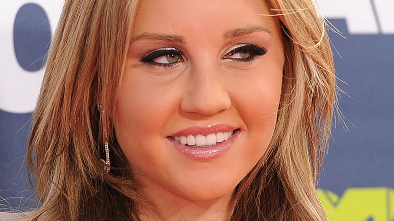Amanda Bynes MTV red carpet