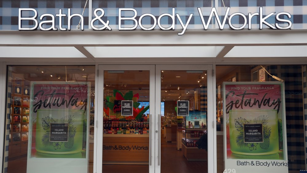 Bath and Body Works store exterior