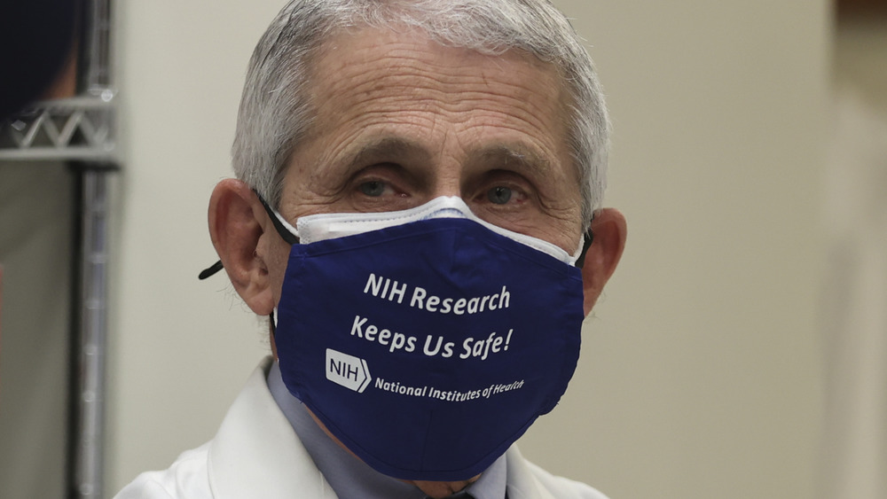 Dr Anthony Fauci wearing a mask