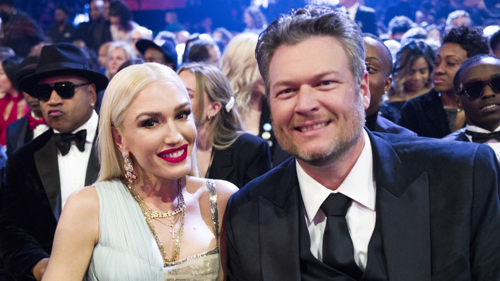 Blake Shelton and Gwen Stefani smiling