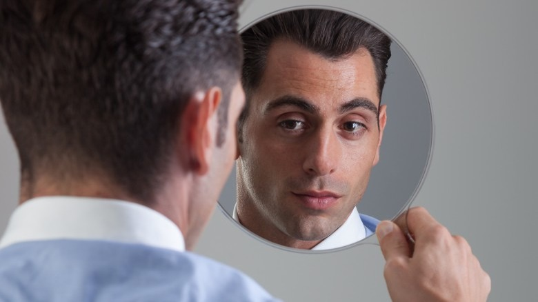 How to know if someone you love is a narcissist