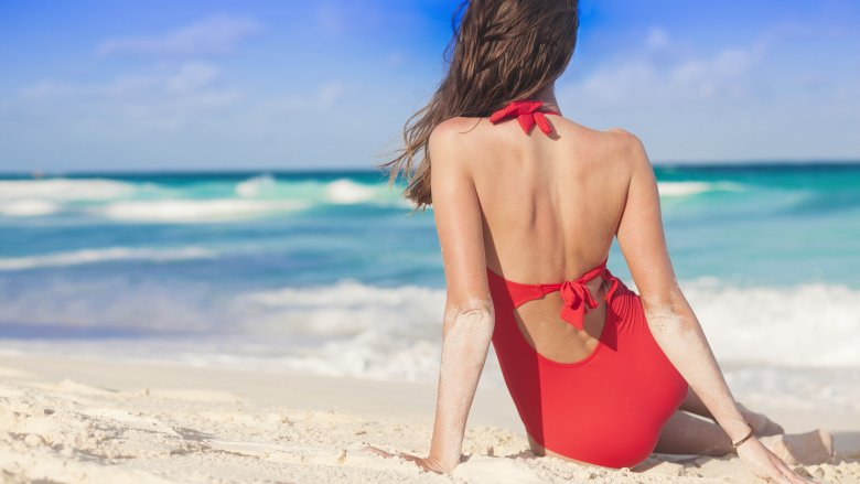 30dd2f8e71 How to prevent having a swimsuit disaster