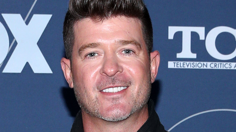 Robin Thicke smiling