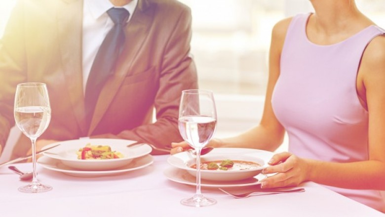 how to make online dating not awkward