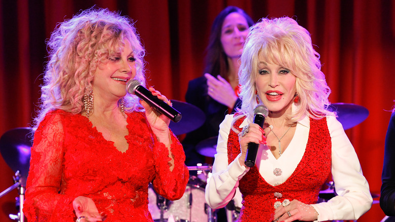 Stella Parton The Truth About Dolly Parton S Sister