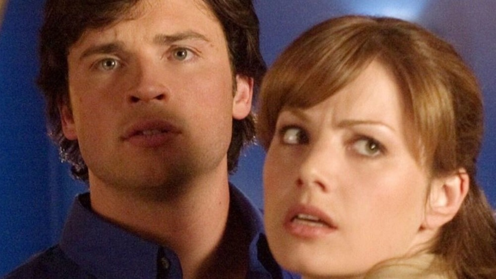 Tom Welling and Erica Durance staring on Smallville
