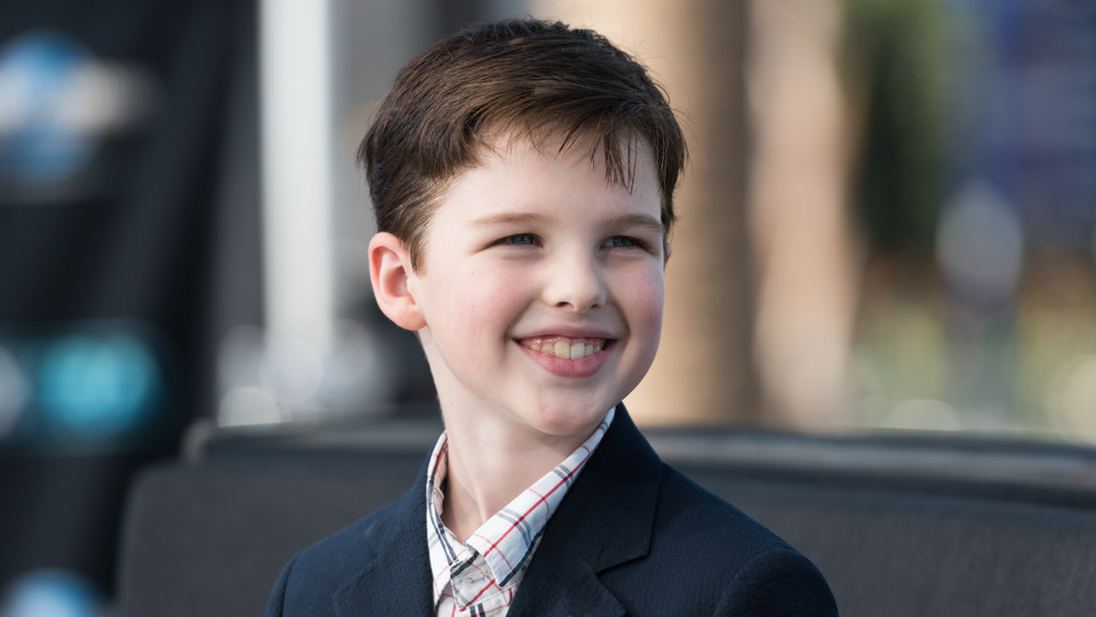 Young Sheldon's Iain Armitage smiling on the red carpet