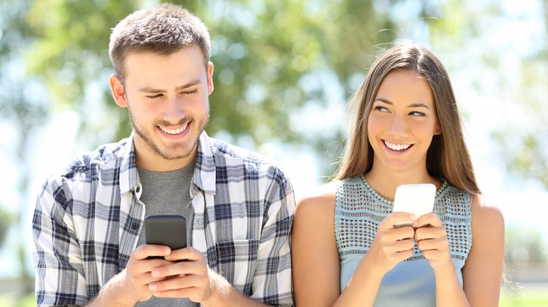 The right way and the wrong way to text your crush