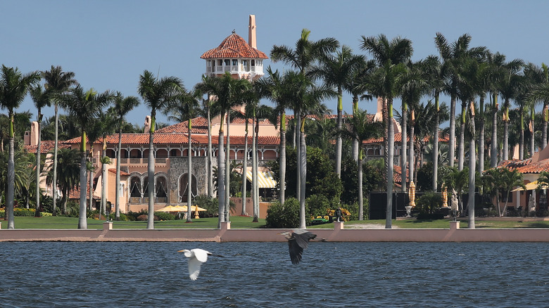 What Life Is Really Like For Donald And Melania At Mar-A-Lago