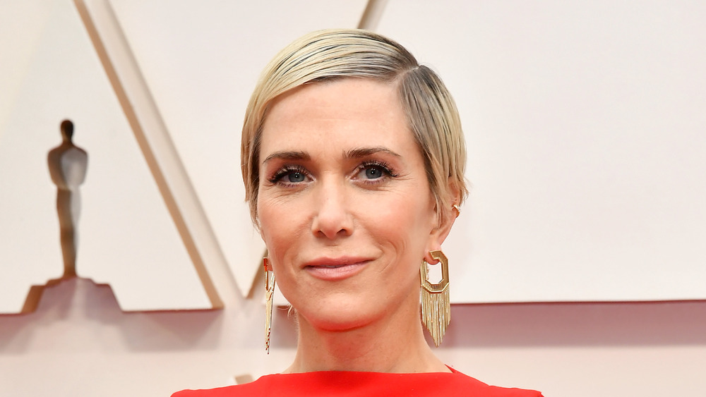 Kristen Wiig wears red on red carpet