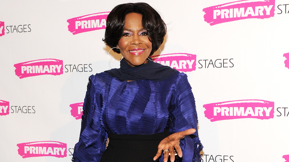 Cicely Tyson, posing in 2016