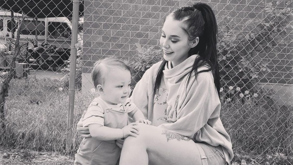 90 Day Fiance's Deavan Clegg with son
