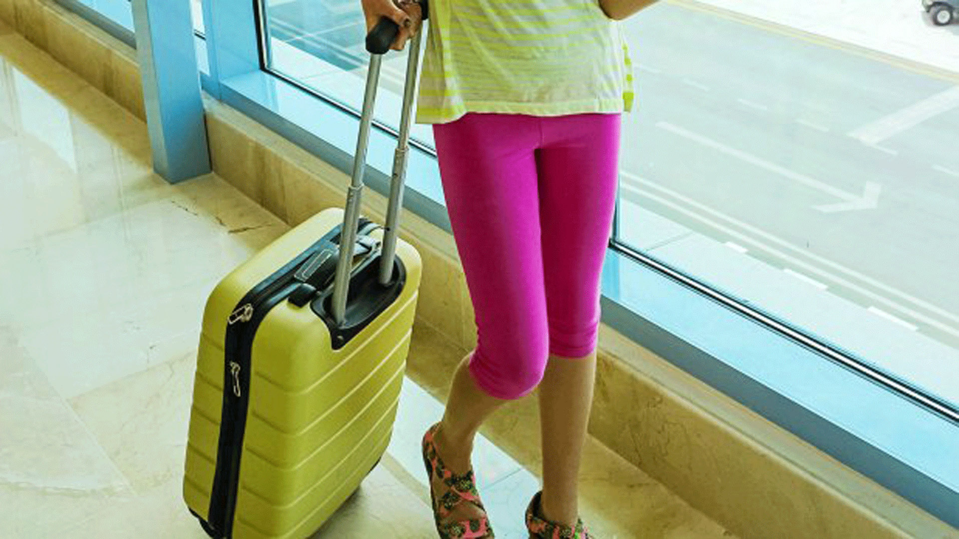 1c0da743dc18 Things you should never wear on an airplane